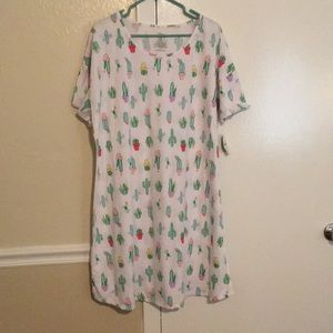 Night Shirt  NWT